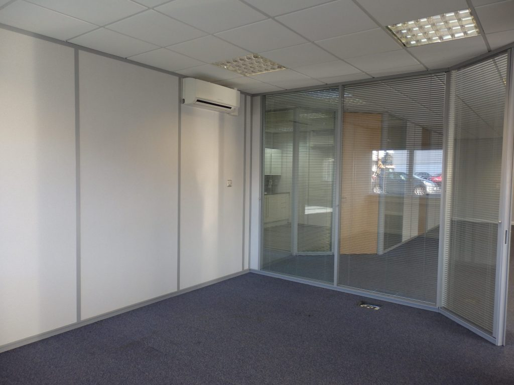 Meeting room with glass walls in Pavillion 1 Catlecraig