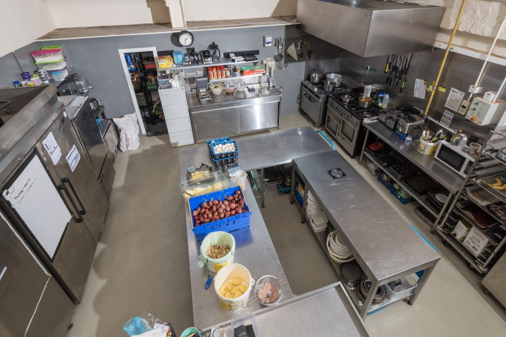Kitchen Space Step Commercial Property Stirling